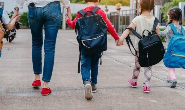 Şcolarii nu trebuie să mai prezinte aviz epidemiologic