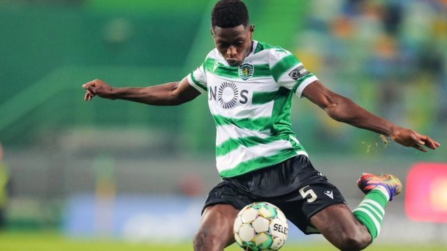 PSG l-a transferat pe Nuno Mendes de la Sporting Lisabona şi l-a cedat portughezilor pe Pablo Sarabia