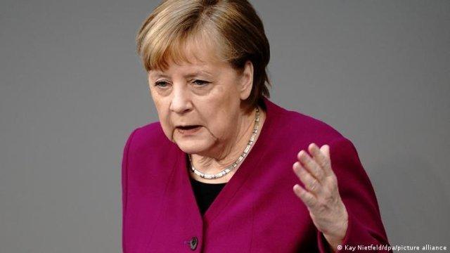 Merkel: Migranţii stabiliţi în Germania sunt germani chiar dacă nu se numesc Klaus sau Erika