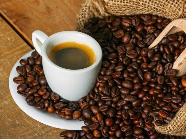 Cafeaua, care are deja cel mai mare preț din ultimii patru ani, se va scumpi cu 15%