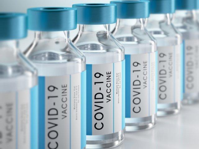 Cel puţin 15 milioane de doze de vaccin împotriva covid-19, aruncate de către SUA începând din martie