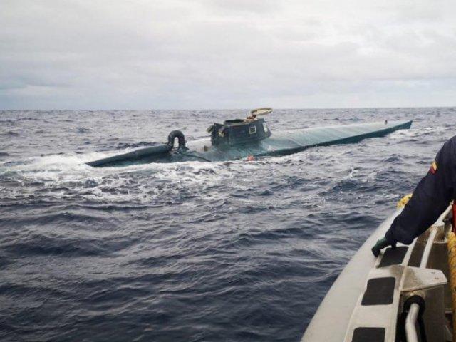 Un submarin ce transporta 1,8 tone de cocaină, capturat lângă coasta sud-vestică a Columbiei