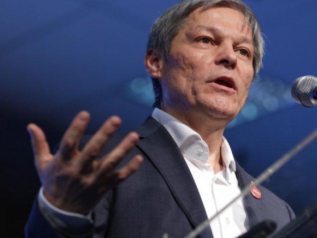 Cioloş: Moţiunea USR PLUS există şi va ajunge la toate partidele. Liberalii pot semna şi ei