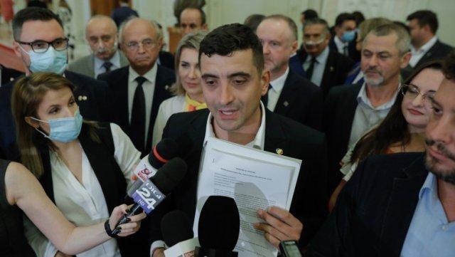Doi parlamentari USR PLUS au refuzat initial să semneze moţiunea de cenzură alături de AUR