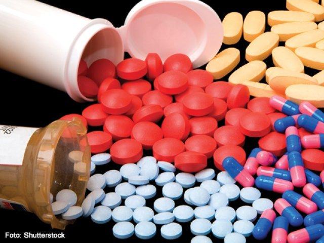 Românii iau antibioticele ca pe bomboane: 3% din populaţie consumă zilnic