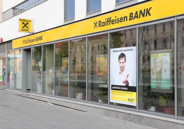 Raiffeisen Bank, amendată cu 100.000 lei de ANPC pentru practici incorecte (UPDATE)