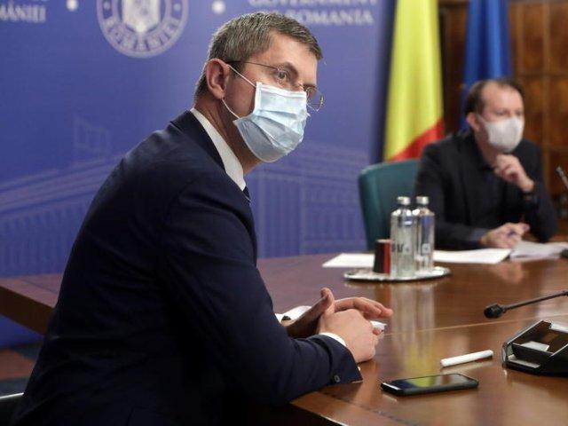 """Miniștrii USR-PLUS nu se grăbesc cu demisiile. """"O decizie se va lua în cursul zilei"""""""