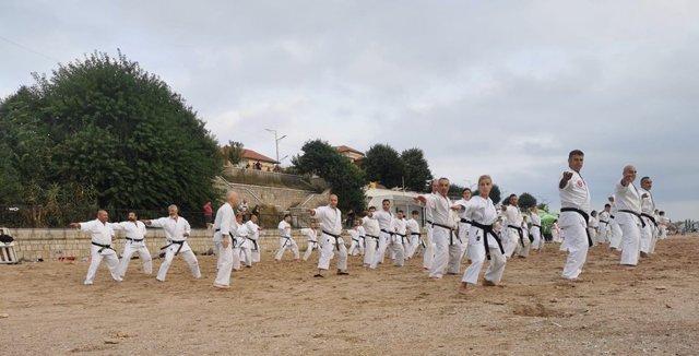 Cluburile sportive ieșene ENPI Iași, Zanshin Tomești și Fitness Fight au participat săptămâna trecută la stagiul de pregătire fizică și tehnică din Eforie Sud