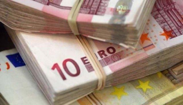 O femeie a uitat în autobuz o geantă cu 40.000 de euro în ea