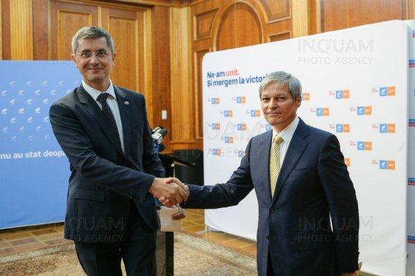 Dan Barna şi Dacian Cioloş, invitaţi marţi la Palatul Cotroceni