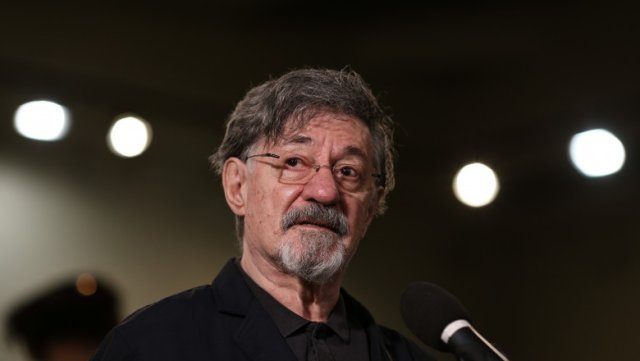 Trupul neînsufleţit al actorului Ion Caramitru nu va fi depus în foaierul Teatrului Naţional
