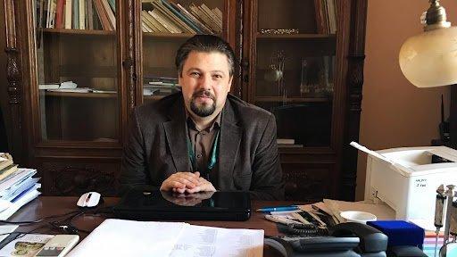 """VIDEO: Directorul bibliotecii: """"recuperarea în «V» din economie nu funcţionează şi la cititori"""""""