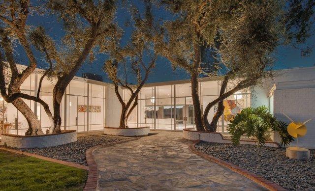 FOTO: Casa emblematică a lui Frank Sinatra a fost scoasă la vânzare