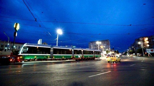 Tramvaiele noi vor începe de mâine să transporte călători