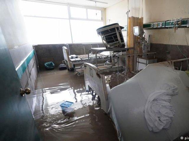 17 pacienți morți după ce spitalul a fost inundat în Mexic. S-au revărsat râurile