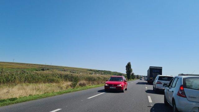 IMAGINI: Se circulă bară la bară între Podu Iloaiei și Lețcani. Trafic blocat