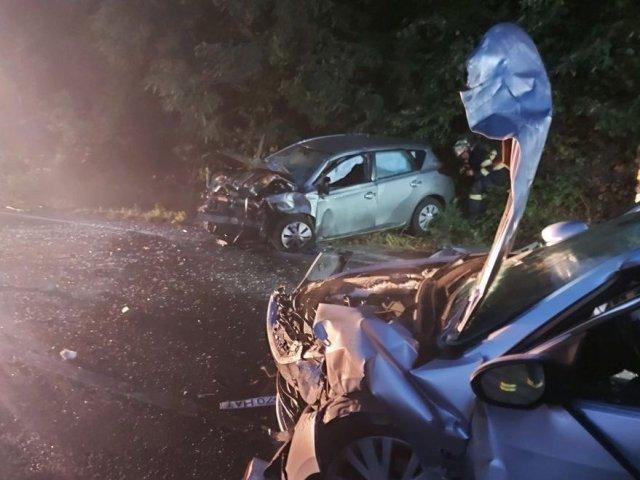 Mureş: Accident cu doi morţi şi trei răniţi în urma unui impact frontal