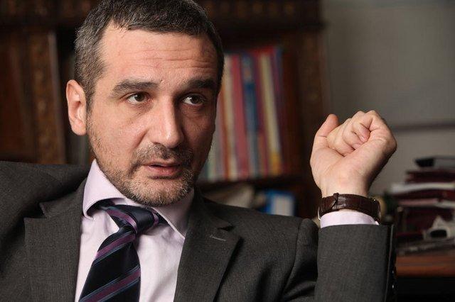 Sebastian Lăzăroiu, întrebat dacă Iohannis e preşedinte jucător: Dacă e jucător probabil că o face mult mai discret decât a făcut-o Traian Băsescu