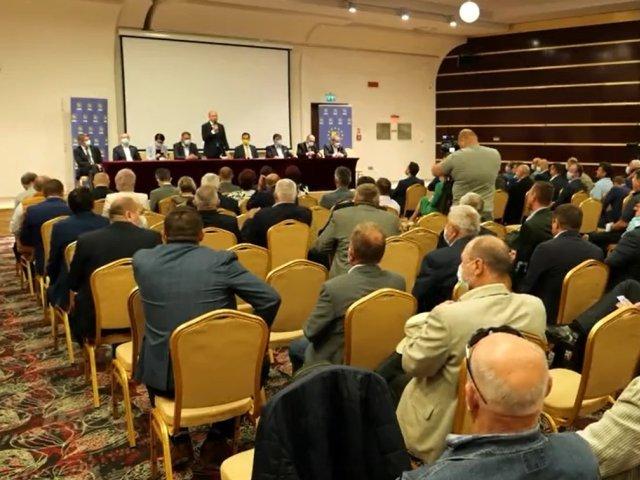 """Moţiunea lui Ludovic Orban a fost adoptată de PNL Iaşi, cu 89 de voturi """"pentru"""" şi trei """"împotrivă"""""""