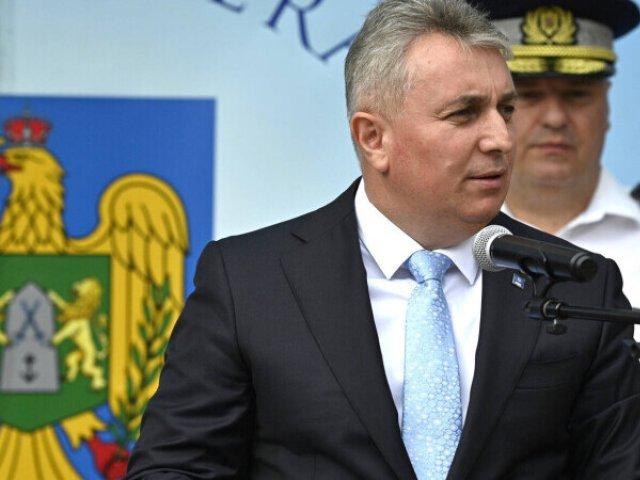 Sindicatul Europol: Lucian Bode, unicul ministrul 3 în 1, a fost surprins la UNTOLD fără mască