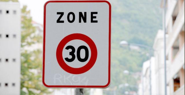 Oraşul francez Lyon reduce viteza în localitate la 30 km/h