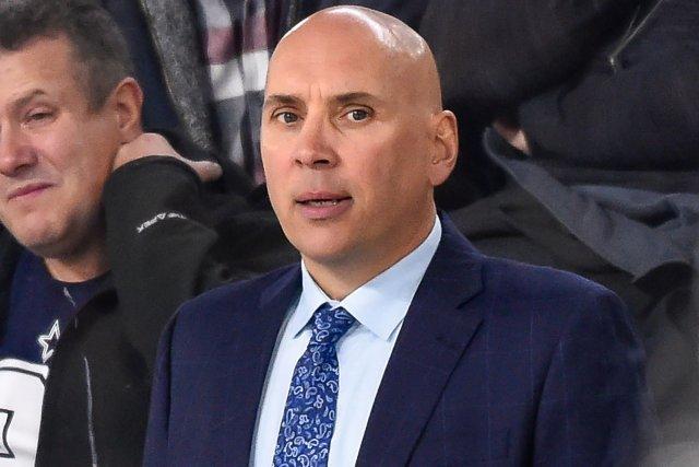 O echipă din NHL l-a demis pe antrenorul secund pentru că a refuzat să se vaccineze împotriva COVID