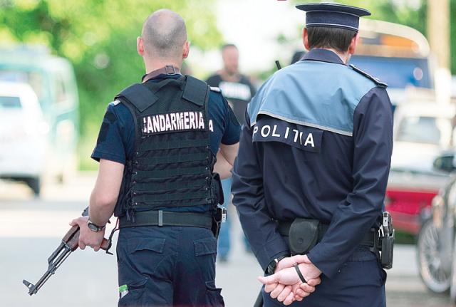 Uniforme noi pentru poliţişti şi jandarmi. Hotărârea a fost adoptată de Guvern