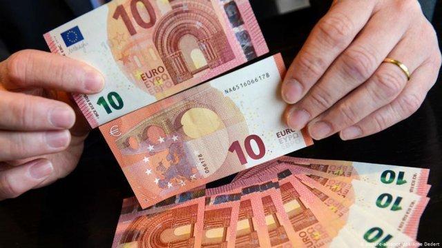 Se majorează salariul minim în Franța și Germania. Diferența față de România