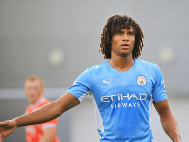 Nathan Ake spune că tatăl său a murit la câteva minute după ce l-a văzut înscriind în Liga Campionilor