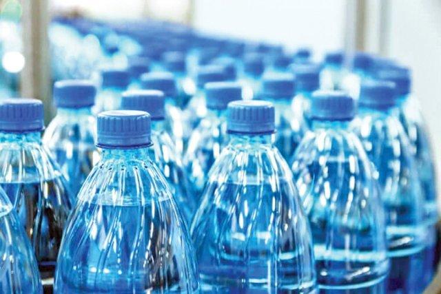 Se scumpește și apa îmbuteliată cu 20%. Explicațiile producătorilor