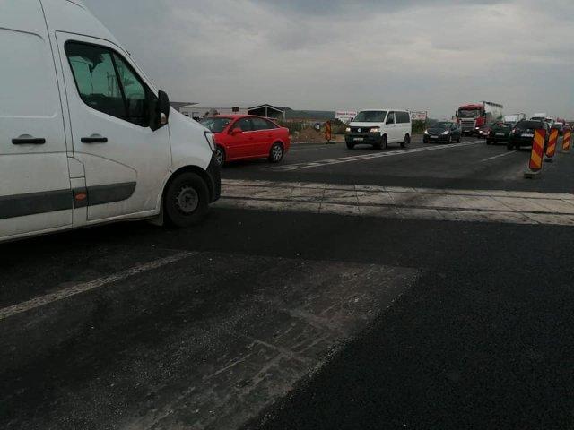 FOTO: S-a refăcut o trecere la nivel cu calea ferată la ieșirea din Iași