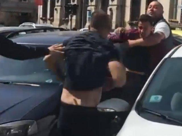 Scandal în parcarea unui centru comercial, două persoane fiind agresate din cauza unui loc de parcare