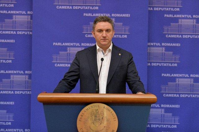 Românii au nevoie de o alternativă la guvernare. Golful și plimbările pe plajă nu scot țara din criză! (P)