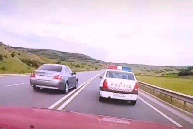 A depăşit maşina Poliţiei pe linie continuă, dar a scăpat de sancţiuni în instanţă