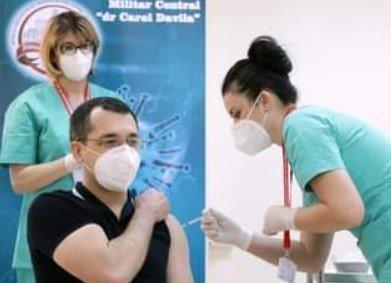Florin Cîţu: Ar fi fost bine să îl fi văzut pe domnul Vlad Voiculescu o singură dată într-un centru de vaccinare