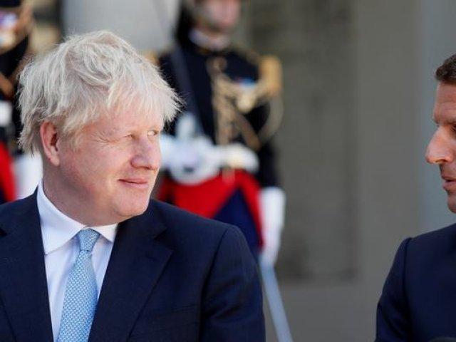 Boris Johnson încearcă să-l calmeze pe Emmanuel Macron în frangleză: Donnez-moi un break!