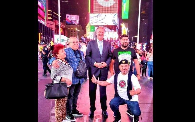 """Preşedintele Iohannis s-a fotografiat în New York cu manelistul Sorinel Puştiu: """"La ziua lui taticul nostru"""""""
