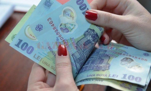 Câştigul salarial mediu net lunar a fost 3.217 lei, în 2020, ȋn creştere cu 7,7% faţă de 2019