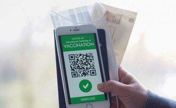 Poliţia are 3.000 de dispozitive cu care poate verifica certificatele verzi