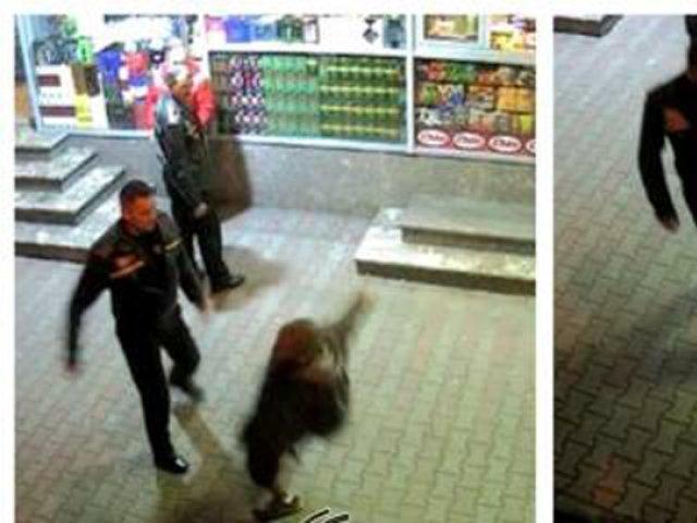 """VIDEO Bărbat trântit la pământ de polițiștii locali: """"Tu pui țiganii pe mine, măi?"""""""