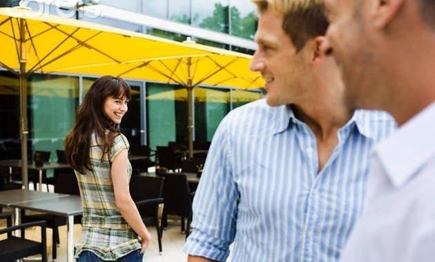 Flirt cu un barbat
