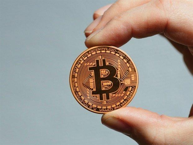 spală bani prin intermediul bitcoin- urilor