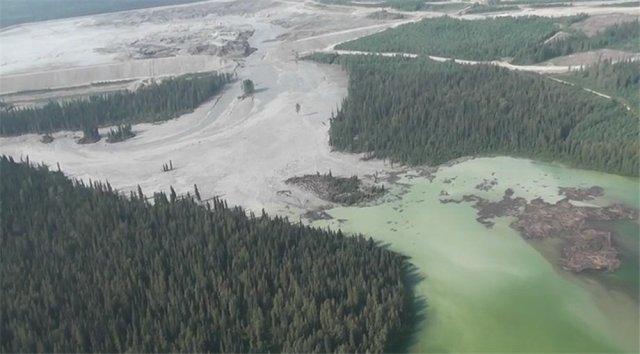 dezastru ecologic Canada