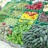 Magazinele, obligate să vândă 51% carne, legume şi fructe din producţie românească