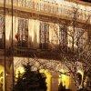 Palatul Roznovanu, iluminat în culorile drapelului naţional şi deschis publicului