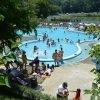 Ca să scape de caniculă, ieșenii au preferat să înoate în piscinele de la Ciric