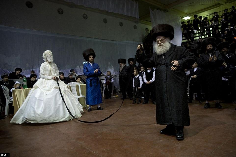 Cautand o femeie evreiasca pentru nunta